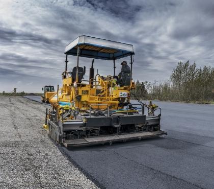 Budowa drogi asfaltowej